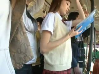 Kaori maeda has ei fierbinte vagin pie fingered în o public autobus
