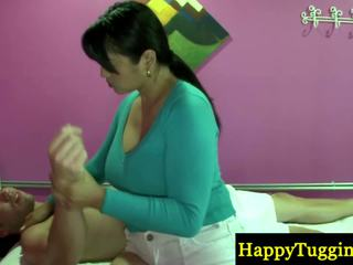 Prawdziwy tajskie masseuse playthings blisko do zonker