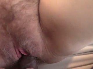 Caliente grande teta morena close-up squirting coño joder