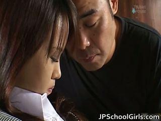 Haruka aida carina asiatico studentessa