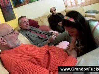 Najstnice sesanje the elderly