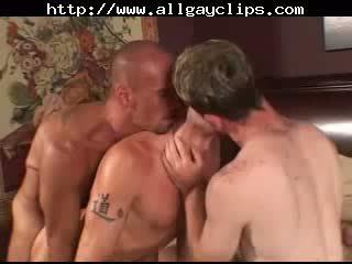 Sexy gays in tats threeway banging.gay porno gays homo cumshots slikken dekhengst hunk