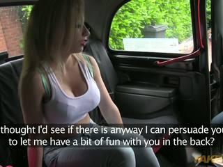 Cipa je pripravljen da plačati ji taxi driver s ji sladko telo