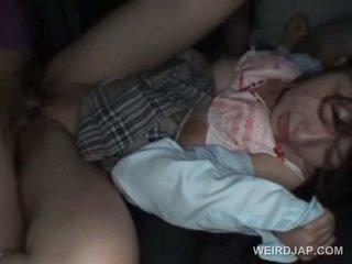 Asiatisch schulmädchen turned sex sklave gets heiß sahnetorte