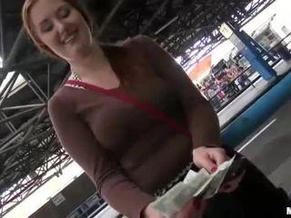 Milzīgs krūtis eurobabe helen paid par sekss