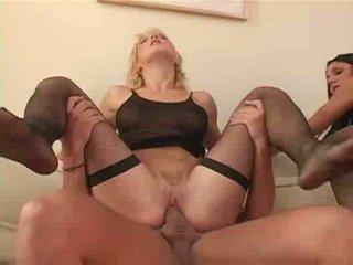 Mėgėjiškas seksas keturiese dulkinimasis analinis