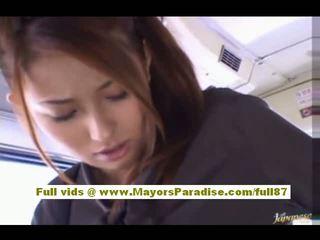 Nao yoshizaki sexy asiatisch teen auf die bus