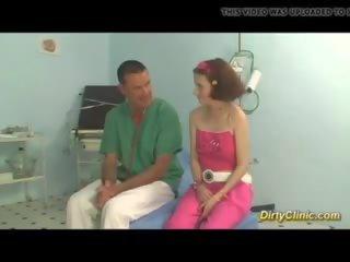 Jovem mamalhuda jovem grávida gets fodido por dela médico: grátis porno 71