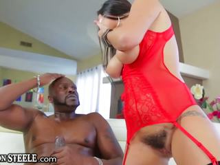Lexington steele gives огромен хуй към karlee grey