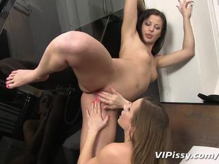 Hot urine splashing on naked lesbian bodies