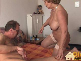 Grannie med stor pupper, gratis amatør hd porno 66