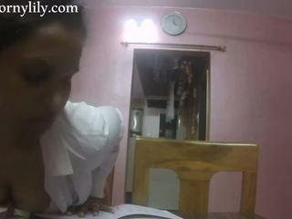 Slutty indiai titkárnő gets kívánós -ban a iroda