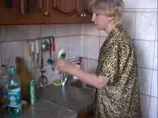Menghisap zakar dalam dapur