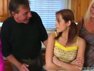 पुराना कदम पिता seduced युवा क्यूट टीन बेटी