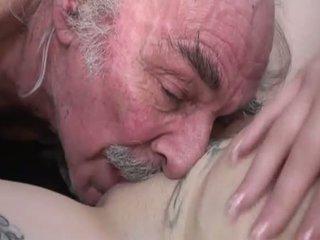 briunetė, deepthroat, didelis penis