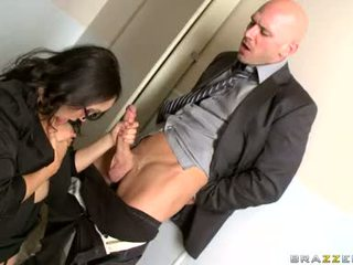 Katsumi zuigen hard de piemel van haar kantoor mate
