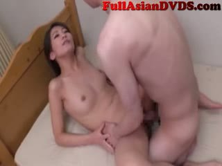 Japonesa madre fucks su son(7)