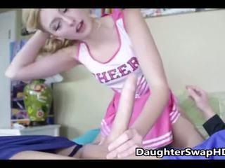 Teen cheerleaders dad's zustimmen bis swap daughters