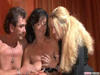 Simoneand two mature couple in sex party