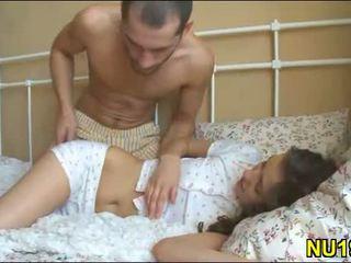 Mazulīte undresses viņai boyfriend