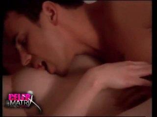 menina pornô e homens na cama, sexy porn no paquistão, sexo na parte peitinhos