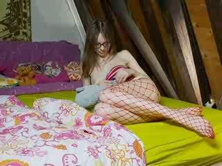 Zoçkë slender vajzë teasing