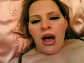 Arab maturidad lesbians playing may pipino video