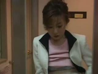 Japonsko mama zasačeni nephew metanje video