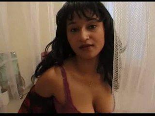 Byretti aux gros seins