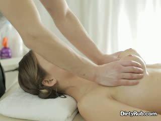 Seksas crazed adelle needs sunkus varpa į jos burna
