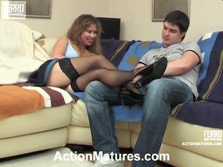 Fierbinte acțiune maturitate film starring shenythia, christina, adam