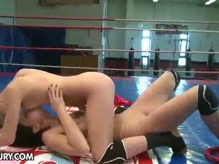 brunette, kissing, pussy licking