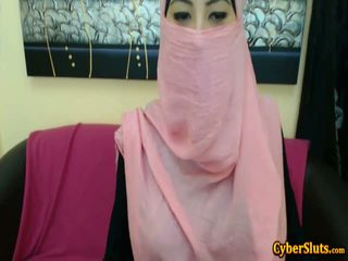 Real sramežljivo arab dekleta nag samo na cybersluts