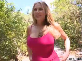 menetek, melon, big boobs