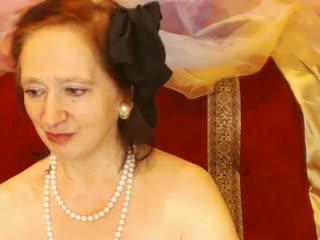 Nonnina shows suo culo