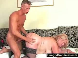 Blonda gras bunicuta edna