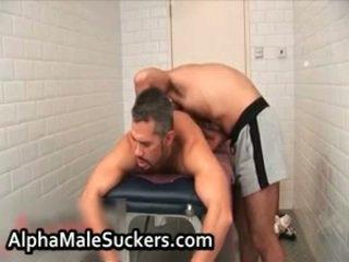 Nóng đồng tính lõi cứng fucking và sự nịnh hót 43 qua alphamalesuckers