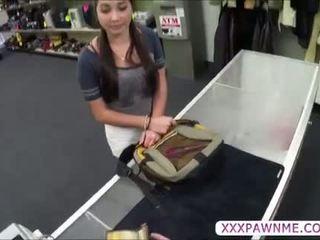 Heet hogeschool student pawns een lap dance naar betalen haar tuition