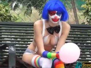 Frown badut mikayla got gratis air mani di mulut