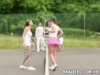 Abbie cat est une vilain tennis nana