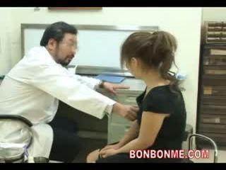 Schwanger teen sein gefickt von doktor bis machen abortion 03
