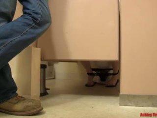 Phòng tắm bangin (modern điều cấm kỵ gia đình) <span class=duration>- 17 min</span>