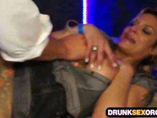 Pijani secretaries fukanje pri the zabava
