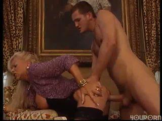 বড় tits, পরিপক্ক, moms এবং ছেলেরা