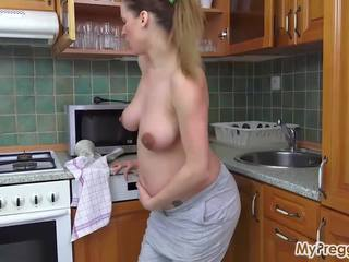 big boobs, sāpīgs, grūtniecības stāvoklī