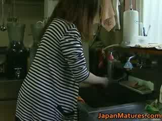 Japanilainen milf enjoys kuuma seksi