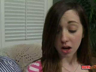 Alexandra zijde walks in op zuigen tiener