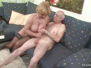 Oma und opa ficken das erste mal im porno fuer morrer rente