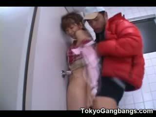 Aziāti virgin fucked līdz a pervert!