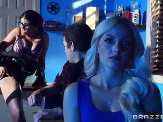 Brazzers - romi seks parti gives bir i̇kili girme en okul